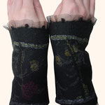 Stulpen Nr. | Wristlets No. 65  |  35 €   |   Chiffon/Merino gefilzt/felted