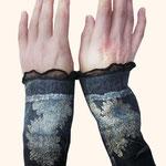 Stulpen Nr. | Wristlets No. 55  |  35 €   |   Chiffon/Merino gefilzt/felted