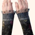 Stulpen Nr. | Wristlets No. 52  |  35 €   |   Chiffon/Merino gefilzt/felted