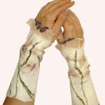 Stulpen Nr. | Wristlets No. 7  |  40 €   |   Chiffon/Merino gefilzt/felted