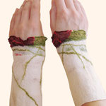 Stulpen Nr. | Wristlets No. 33  |  30 €   |   Chiffon/Merino gefilzt/felted