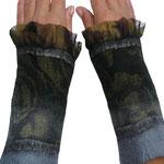 Stulpen Nr. | Wristlets No. 72  |  35 €   |   Chiffon/Merino gefilzt/felted