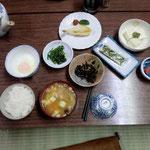 宿泊翌日の朝食。田舎らしい、朝ごはんでした。