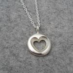 Silberanhänger 135 Euro (ohne Kette), dieses Herz gibt es auch in einer etwas kleineren Variante