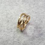 750er Gelbgoldring groß 850 Euro, klein 750 Euro