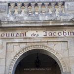 Lettres peintes et feuille d'or sur lettres gravées Couvent des Jacobins St Emilion
