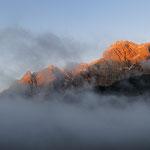 Mentre i nuvoloni coprono la valle