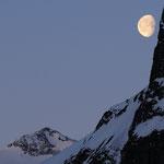 La luna si nasconde