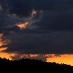 Il sole infiamma il cielo della val Pusteria