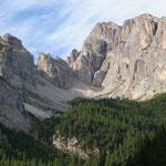 Il monte Siera salendo al Passo dell'Arco