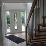 Blick aus dem Esszimmer zur Haustür