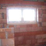 Fenster im Bad oben