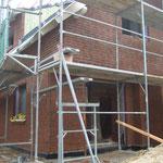 Die Terrassen- und Hausrückseite