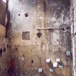 """""""Raumzeichnung Industriebrache"""", Zinkblechabdeckungen eines bereits fast fertiggestellten Fahrstuhls im Sanierungsobjekt"""