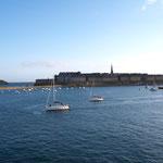 """Blick auf die alte Korsarenstadt """"Saint Malo"""""""
