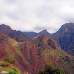Zerklüftetes Madeira, wilde Berglandschaft