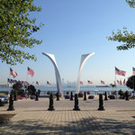 9-11-Memorial with Manhattan-skyline