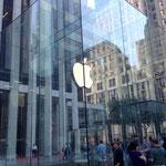 ehmm... yep. I'm an fan of Apple :)