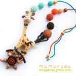 36$. Слингобусы с жирафом. Есть погремушка и кокосовый элемент.  Завязки эластичные. Длина регулируется.