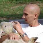 Toni mit Lamm