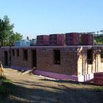 31. Mai 2015: Fertig gemauert - und die Decke ist betoniert. Jetzt geht es obenweiter....