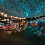 Der SALA Summer GAarden am Abend bei geschlossenem Glasdach