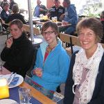 Nach gut drei Stunden sitzen wir draußen beim GRILLFESCHT in Breitenbach