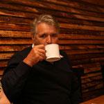 Prost - Adolf Diederich mit Kaffeetasse