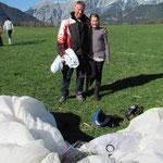 Grugger Alois mit seiner Tochter --die beiden sind fast bis Hintertal geflogen