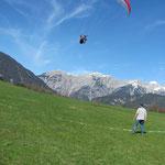 Eder Markus ist im Endanflug beim Landeplatz Oberbiberg