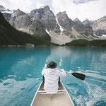 Canoeing auf dem Moraine Lake © Johannes Becker