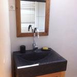 vasque salle de bains dans la petite maison