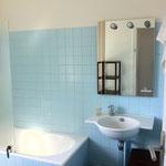 salle de bains de la grande maison