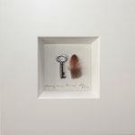 """""""Ahnung eines Raumes"""", 2010, Schlüssel, Feder, 10 x 10 cm"""