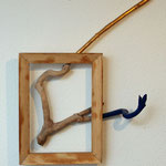"""Reach Out"", 2010, Fundholz, Rahmen, Acryl, Schlagmetall ""Gold"", ca. 60 x 50 cm"
