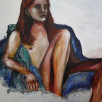 Daniel sitzt in einer Blaubeere auf einer Sahnetorte