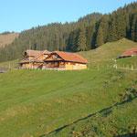 Die Alp Chäsere in der Morgensonne...