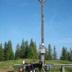 Chuman beim Gipfelkreuz.