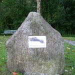 Gedenkstein an das Eisenbahnunglück in Taufkirchen