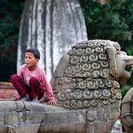 Bambino in Durbar Square, Bhaktapur - Nepal