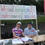 Stadtdechant Bernhard Lücking und weitere Leser lesen Bibelgeschichten zum Thema Weg / Straße