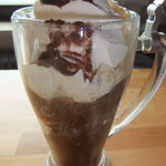 Pause mit Eiskaffee