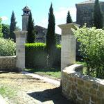 Piliers de portail en pierre massive