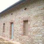 Encadrements de porte et fenetres en pierre et brique