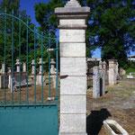 pilier en pierre massive