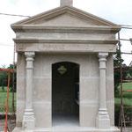 Chapelle funéraire en pierre