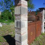 piliers en pierre et brique