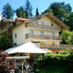 Haus Hildegard: Süd-West-Ansicht Balkone Rachel und Lusen