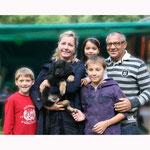 Barney mit Nicola, Felix und den Kinderen