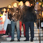Reg. Bürgermeister Michael Müller SPD und Innensenator Frank Henkel CDU. Am Fernsehturm Alexanderplatz, Olympia Lauf. Foto: Helga Karl
